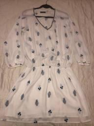 Vestido estampado branco e azul seiki