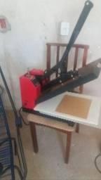 Maquina de cortar chinelo , estampar e frisar