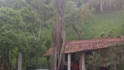 Argeu Terreno gigante 1400m², com benfeitoria de uma casa simples