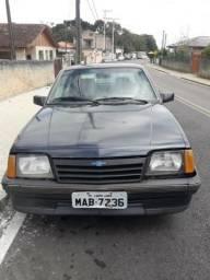 Carro - 1990