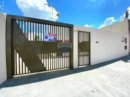 Casa com 2 dormitórios à venda, 60 m²