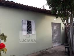 Casa Solta Próximo ao Centro da Cidade - 2 quartos (Cód.: lc051)