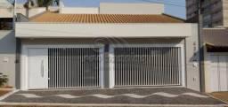 Casa à venda com 3 dormitórios em Centro, Jaboticabal cod:V5191