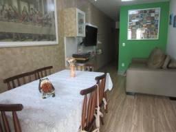 Linda casa geminada, toda reformada com 03 quartos!!!