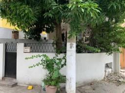 Alugo casa de vila no Méier