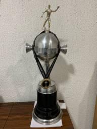 Replica taça libertadores e medalha campeão 2019