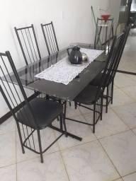 Linda mesa de vidro com 6 cadeiras