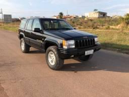 Vendo Jeep grand cherokee v8