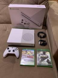 Xbox One S 1TB + 2 Jogos