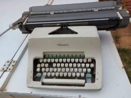 Máquina de escrever Olímpia