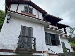 Casa no Centro de Petrópolis, podendo ser transformado em duas casas