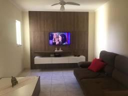 Título do anúncio: Vendo casa no Jd Ferraz, próximo a expo, com 3 quartos (1 suíte)
