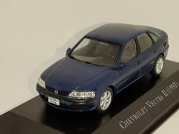 Miniatura Vectra 1997 escala 1:43
