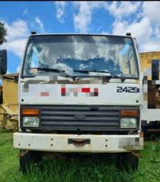Caminhão 2425 6x4 traçado chassi