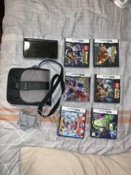 Nintendo DSi XL + Estojo + 7 jogos