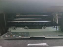 Impressora HP semi nova.