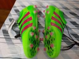 Chuteira profissional Adidas 45