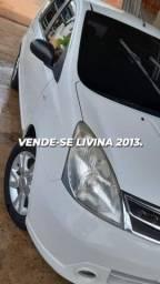 Vendo carro Livina 2013