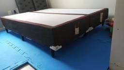 Base de cama Queen seminovos 300,00