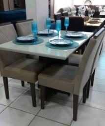 Mesa com 04 cadeiras -  Nova