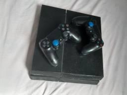 PS4 + 2 controles
