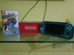 Nintendo Switch Lite + Pokemon Sword