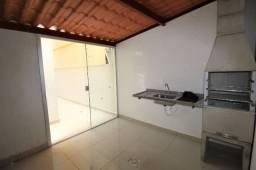 Apartamento com dois quartos, duas varandas, elevador e garagem