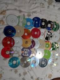 Título do anúncio: CDS e DVDs diversos