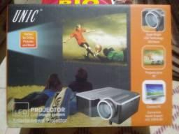 Mini projetor Led Uc 28 48 lumeos USB, HDMI, VGA, USB, AV IN, SD