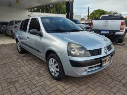 Clio Sedan 1.0 Completo Barato 2005! Troco