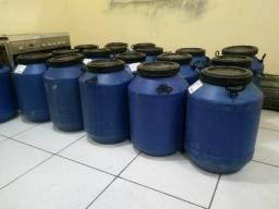 Tambor 50 litros com tampa e alças