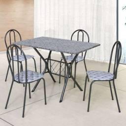 Meda de mármore com 4 cadeiras