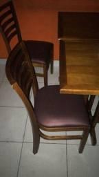 Vendo mesas e cadeiras semi novas
