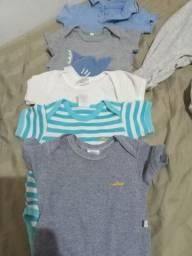 Título do anúncio: vendendo lote de roupas de BB menino mais de 100 peças