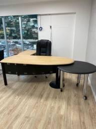 Mesa linda para seu escritório