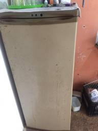 Geladeira gelando normal