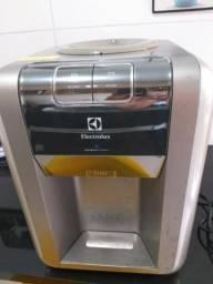 Bebedouro de água eletronico