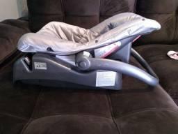 Vendo bebê conforto com base removível
