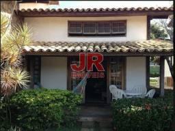 Linda casa em condomínio completo, localização privilegiada - Búzios-RJ