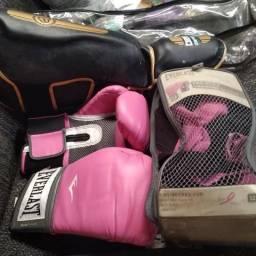 Luvas e joelheiras para box 40$