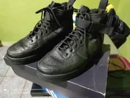 Tênis Nike SF AF1 MID