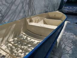 Vendo bote de alumínio com casco revestido de fibra