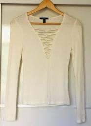 Blusa manga longa off white decote trançado Forever 21