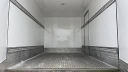 Baú refrigerado frigorifico para iveco 3,90m semi novo