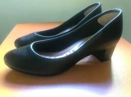 Sapato Scarpin Salto Baixo Beira Rio Preto N° 38