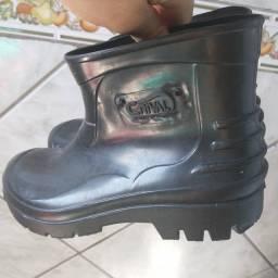 Bota sapato N 37,Cano curto,Borracha,Crival,NOVA/ACEITO TROCA