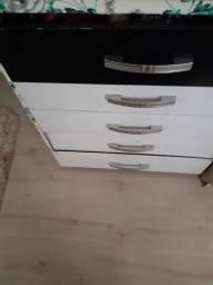Vende comoda 5 gavetas usada