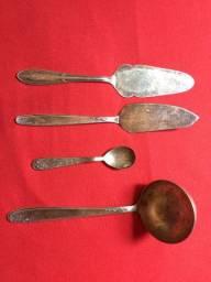 Espátulas e conchas de prata