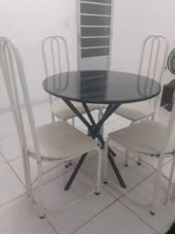 Mesa mármore (preta) com 4 cadeiras