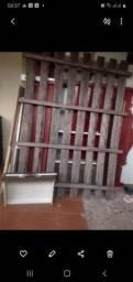 Vende-se uma cama de madeira bem conservada